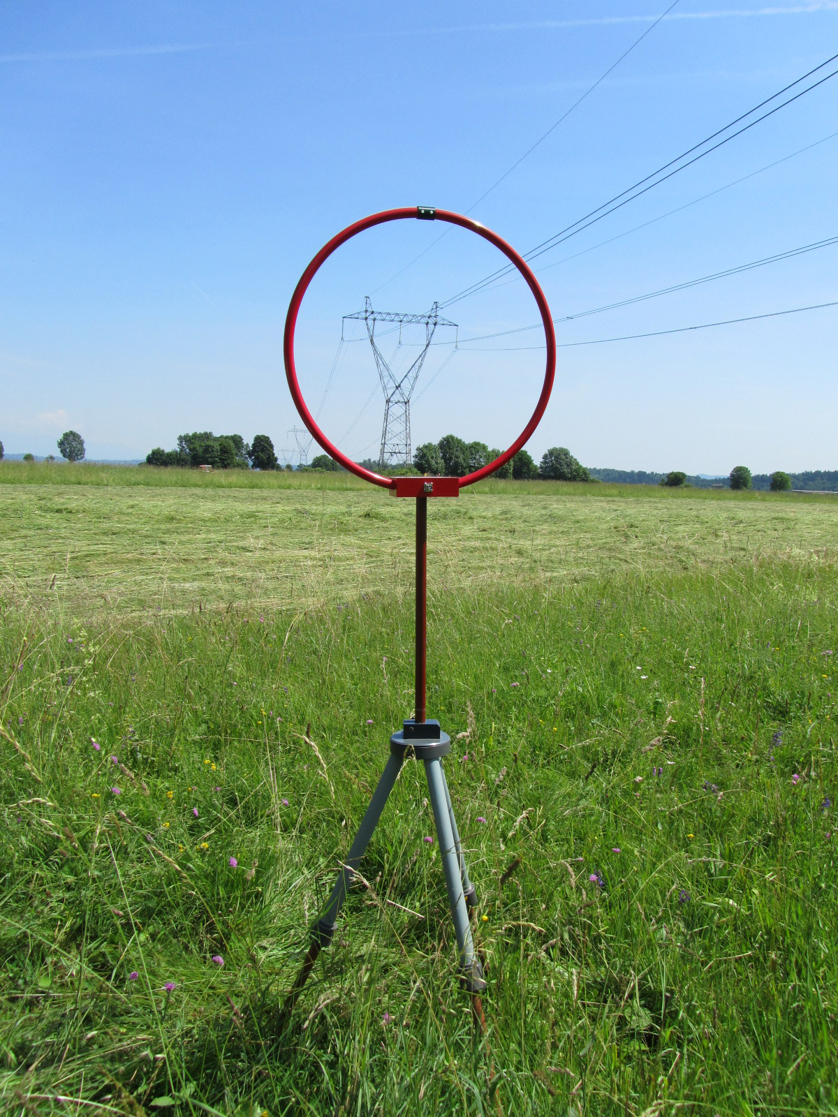 Measurements of radio frequency disturbances of the overhead line
