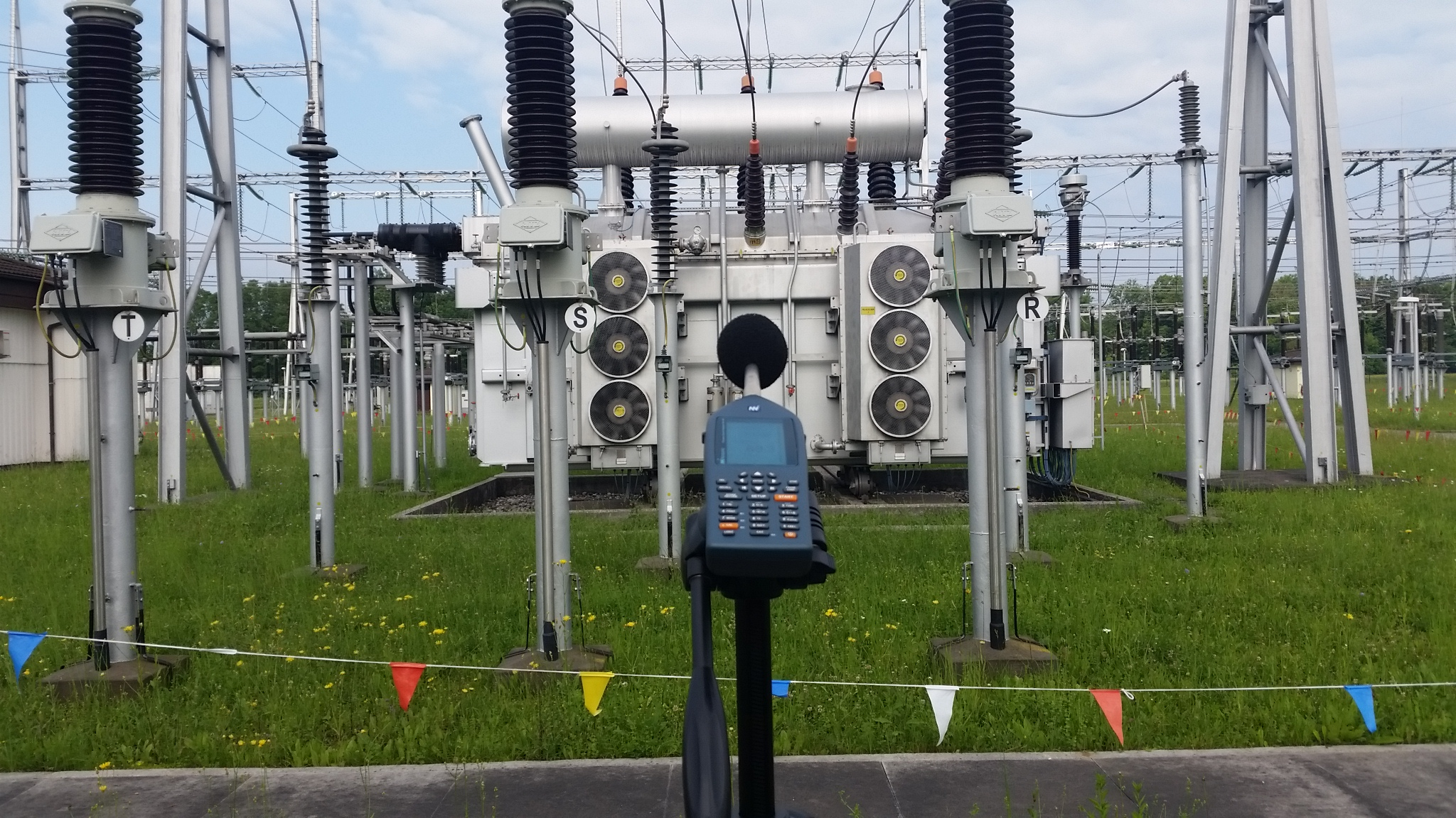 Measurements of noise of a 400 kV transformer at the switching transformer station